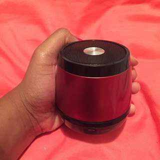 Mini Wireless Speakers + Charger