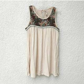 Cream/beige Top W/ Floral Details