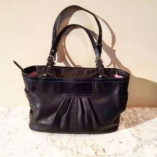 AUTHENTIC COACH PURSE (LG)