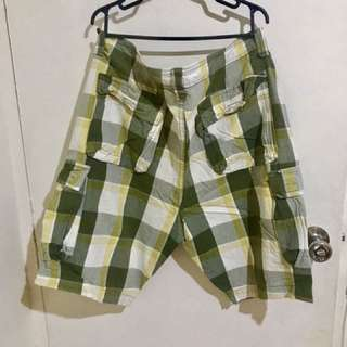 folded and hang & union bay shorts