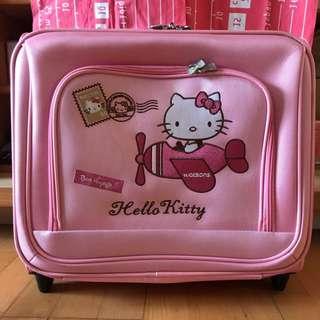 Hello Kitty登機行李箱