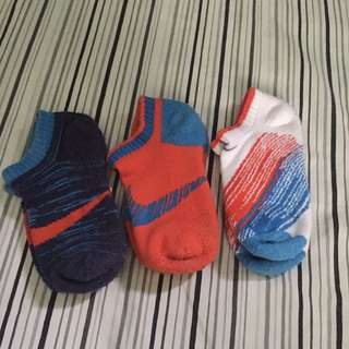 authentic NIKE toddler socks (lot of 3)