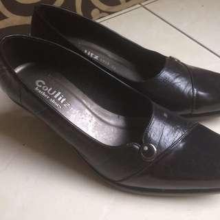 Sepatu Pantopel Hitam (Coulitz)