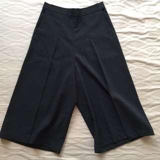 (NEW) N.Y.L.A – Black Culotte Pants