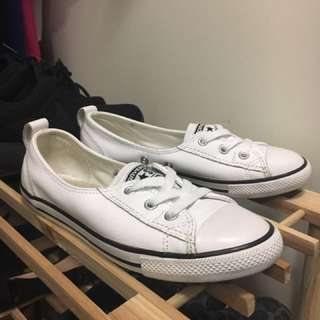 White Leather Dainty Chuck Taylor's Size 6