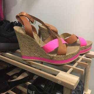 Pulp Wedges Woman's Size 6