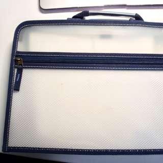 Blue folder/organiser