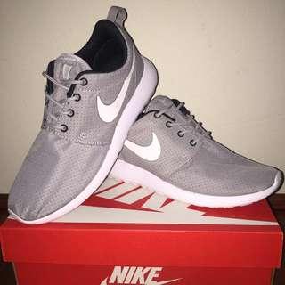 Wolf Grey Nike Roshe