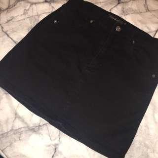 Black Jean Mini
