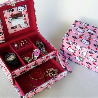 TEMPAT PERHIASAN MOTIF HELLO KITTY PINK