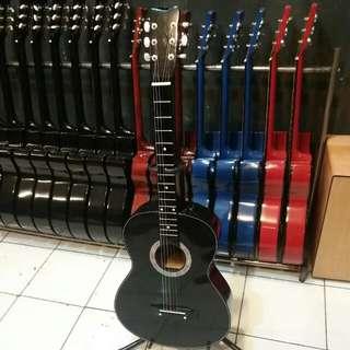 Gitar Akustik Lokal pemula