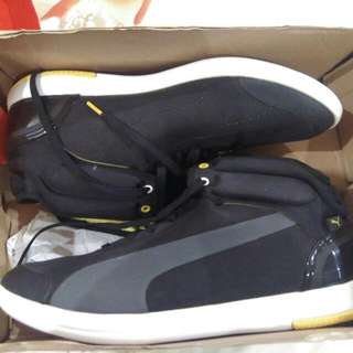 Sepatu Sports Puma Ferrari Black Line Up Yellow