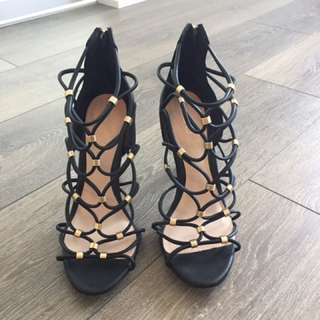 Black and Gold ALDO Heels size 8.5