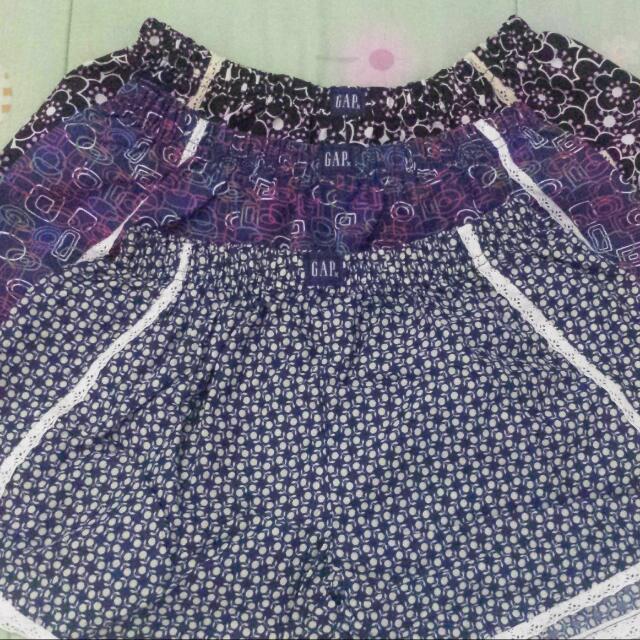 3pcs. Women's Pompom Shorts