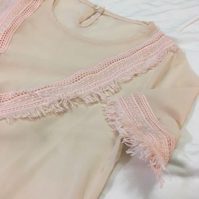 淺粉紅紗質民族風短版上衣