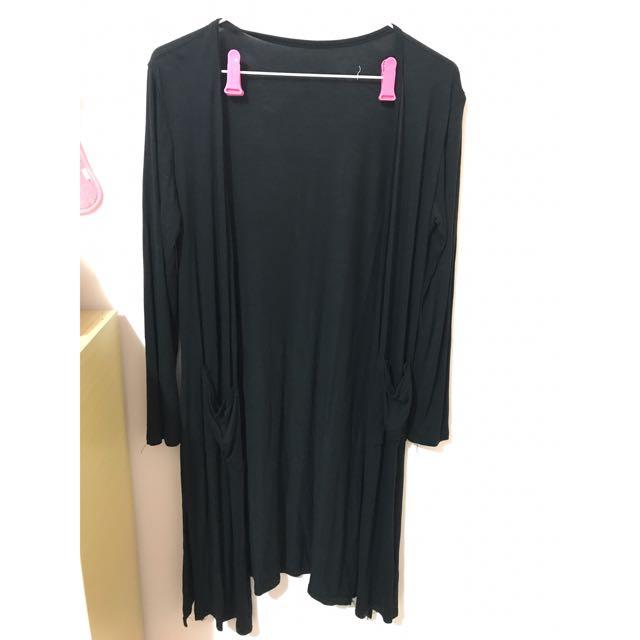 黑開叉罩衫