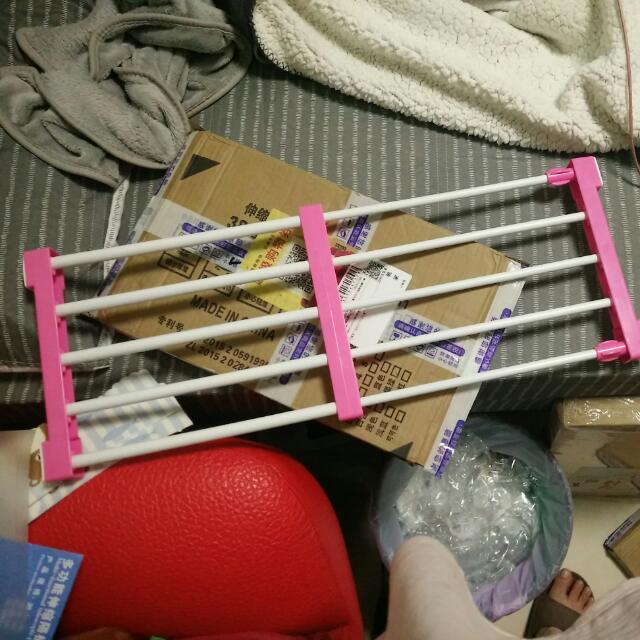 伸縮自如的收納伸縮架(粉色)家居用品,收納專用,衣櫃使用