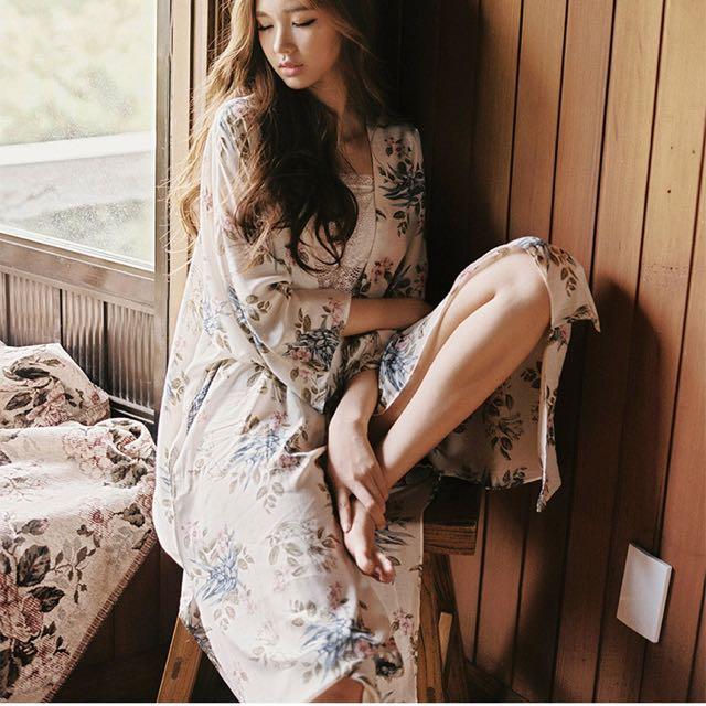 晚安晚安🌙 日本典雅和風米白山茶花罩衫背心寬褲睡衣組/家居服