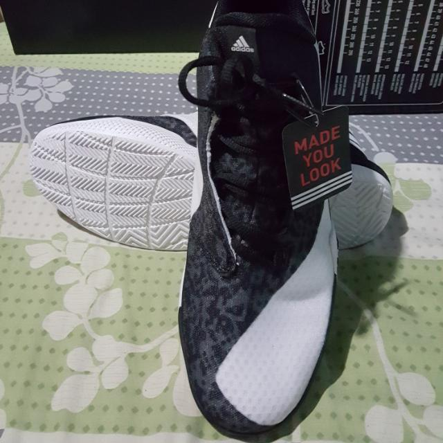 BNWB Black and White Adidas Light Em Up 2 Size 10
