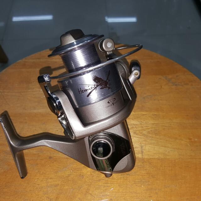 "Fishing reel (Hemingway HF505 ) & Fishing Rod ( 6""6 Spinning - 2pc )"