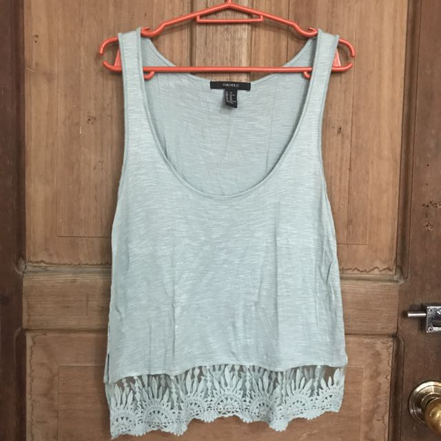 Forever 21 XS on Tag can fit up to Semi L
