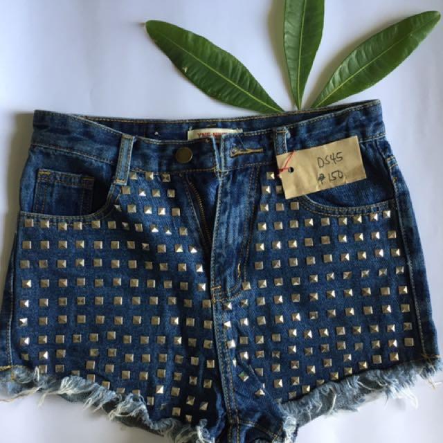 Highwaisted Studded Denim Shorts