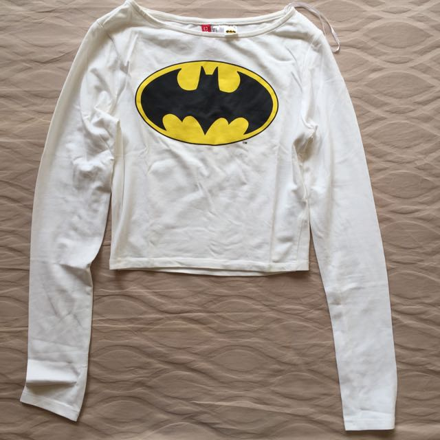 H&M – Batman Cropped Top