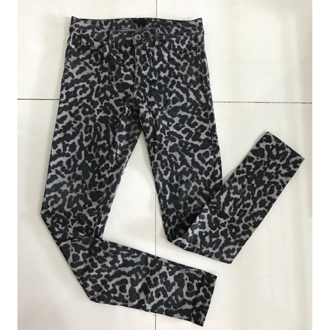 H&M - Leopard Print Skinny Jeans