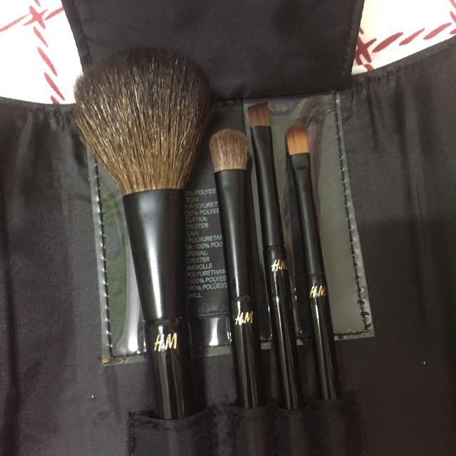 H&M Travel Companion Brush Kit