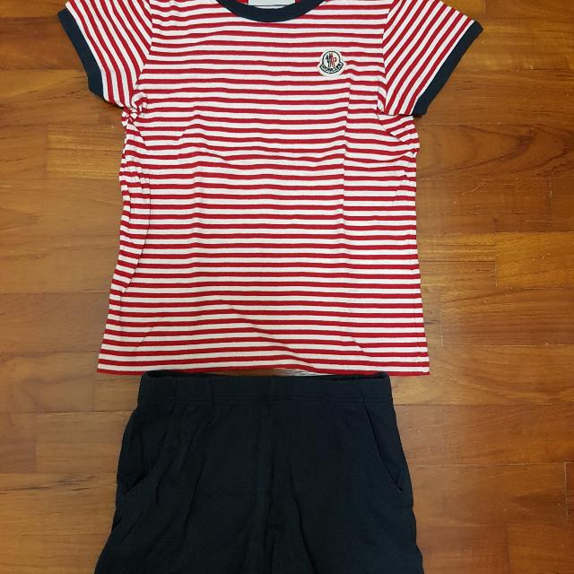 2f4679367 MONCLER Children T shirt and shorts Set.