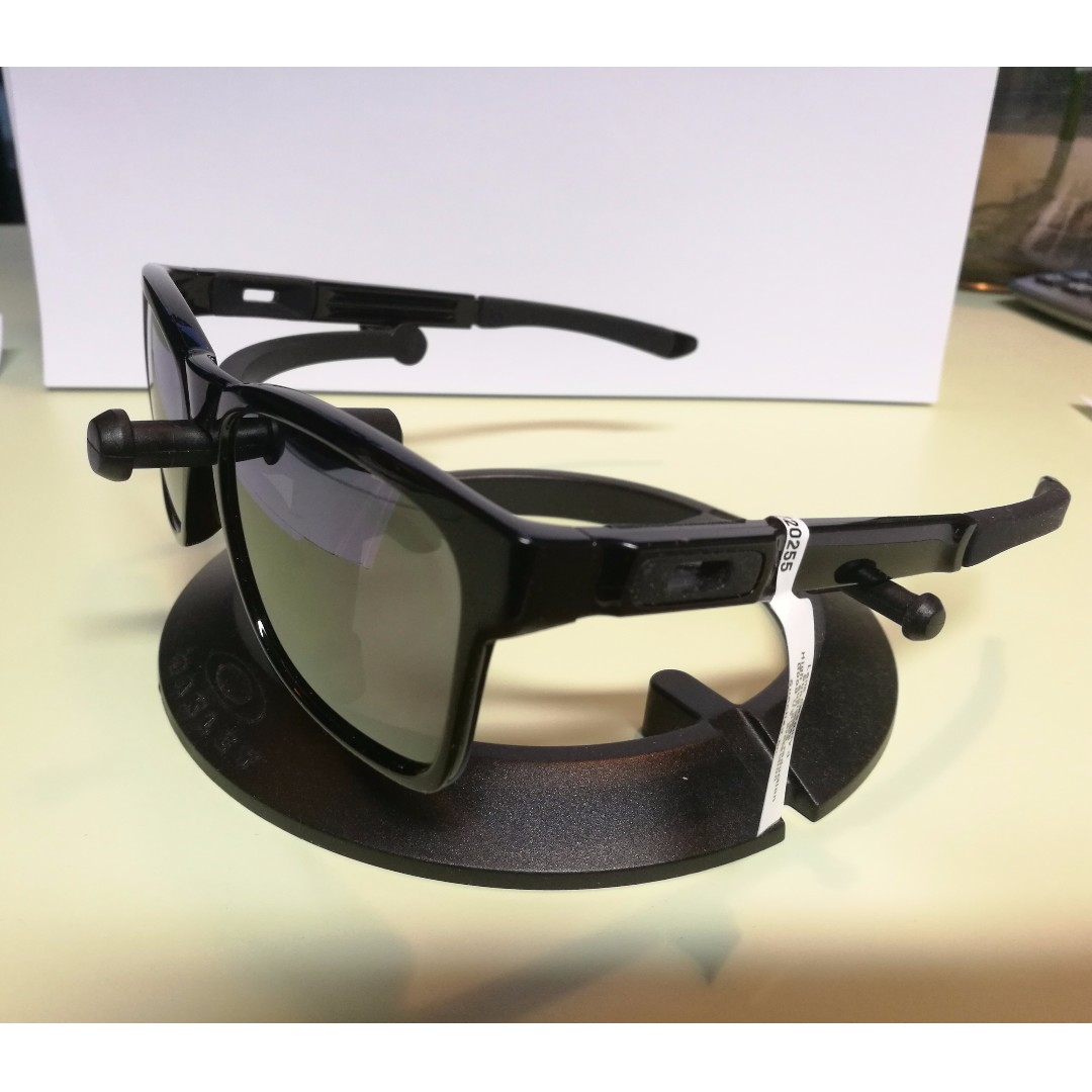 0b33ce25693 NEW Brand New with security tag Oakley OO9272-02 Catalyst Polished ...