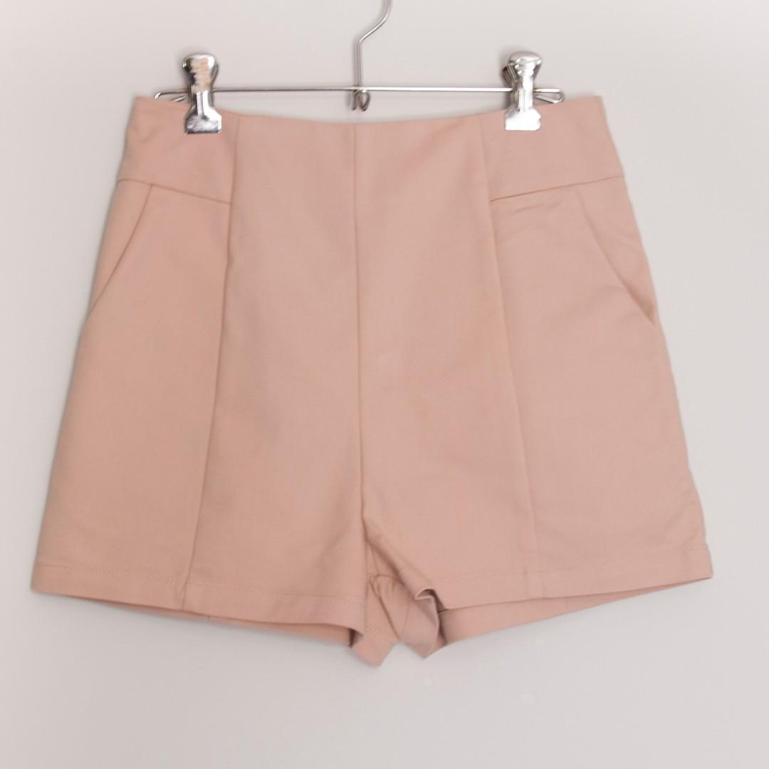 Nude/Cream Shorts Size S