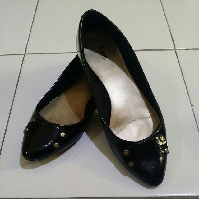 Pre-loved Black Flats