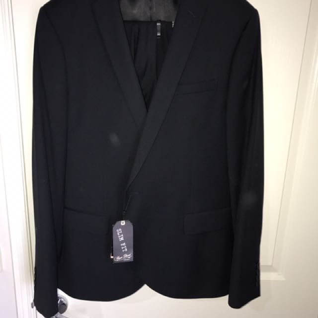 Roger David Navy Suit