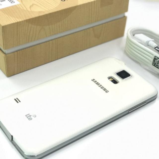 (蘋果幫)Samsung Galaxy S5 4G LTE 16G 1600萬畫素相機5.1吋 兩顆原廠電池配件全新未使用 外觀如新 附玻璃貼