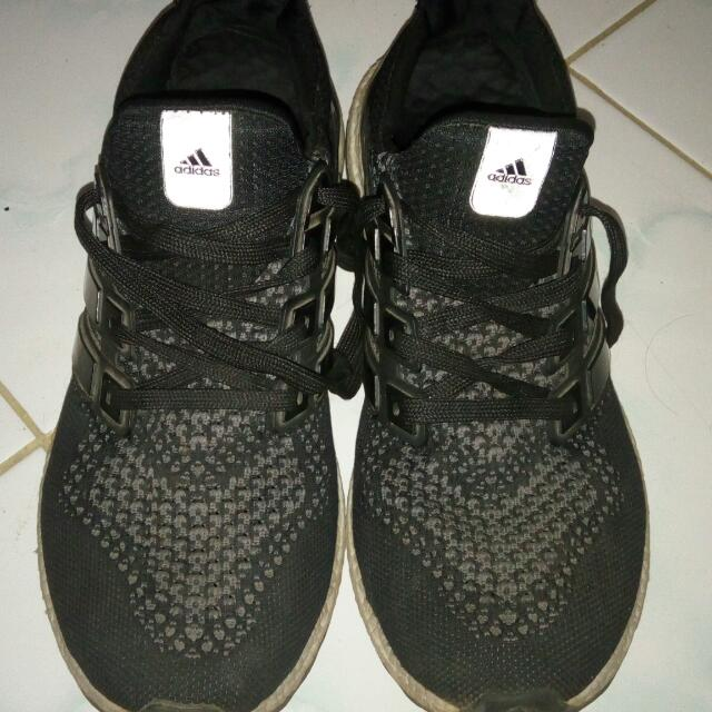Sepatu Adidas Booster