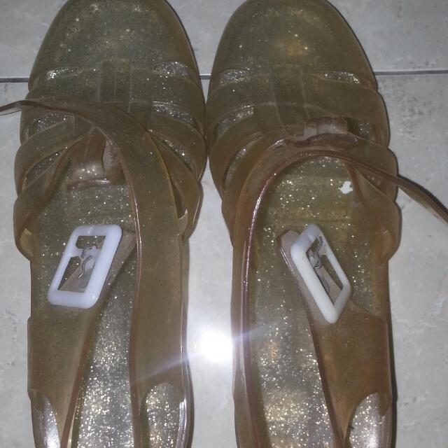 Sepatu Jelly Transparan