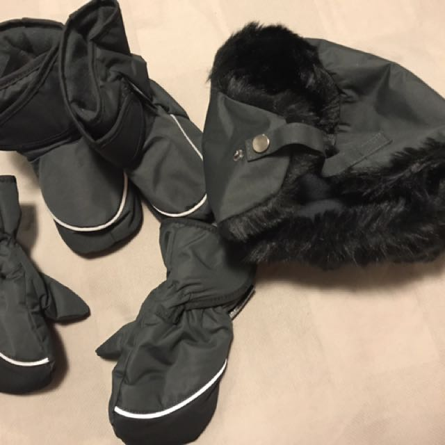Set of Winter/Skiing/Snowy Gloves/shoes Cover/Fur Hat