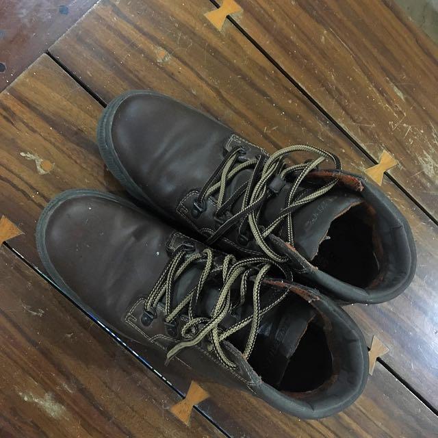 Sketchers High Cut Leather Shoes (Original)