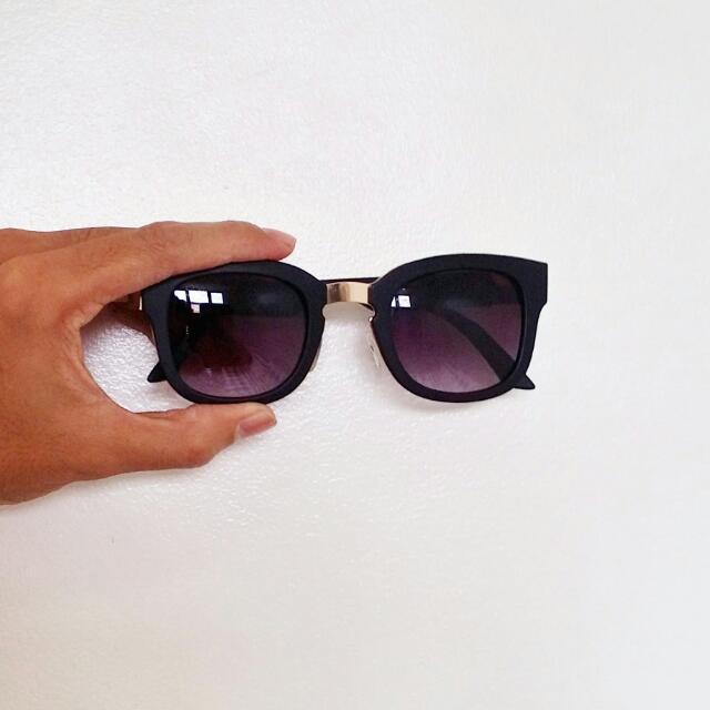 Sunnies (Black) Faded Tint