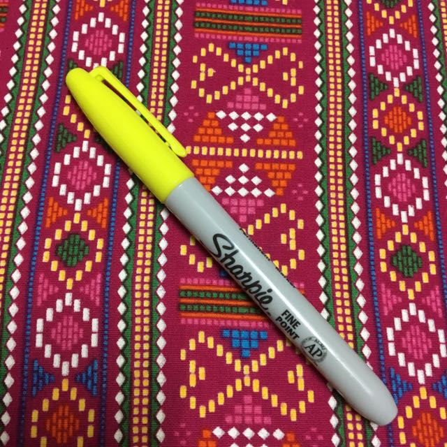 Supersonic Yellow Fine Point Sharpie