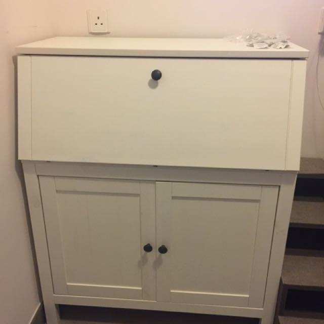 Ikea Table(self Pick Up)/ 寫字枱(自取)