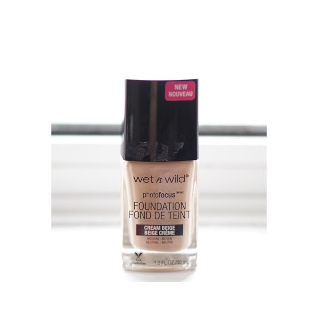 Wet n Wild photofocus foundation (cream Beige)
