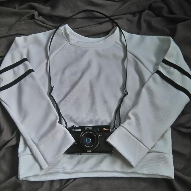 White Semi-crop Sweater