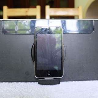 iPod Touch & Speaker/Docking Station