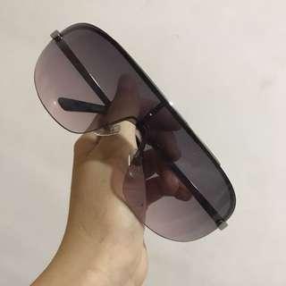 Kacamata Hitam Keren