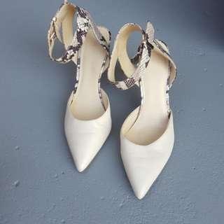Nine West beige snake heels