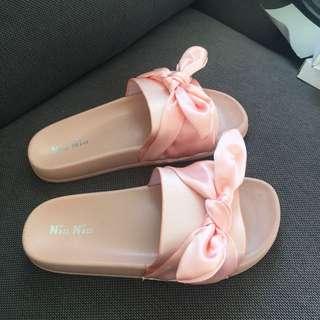 Pink Bow Slides- brand new
