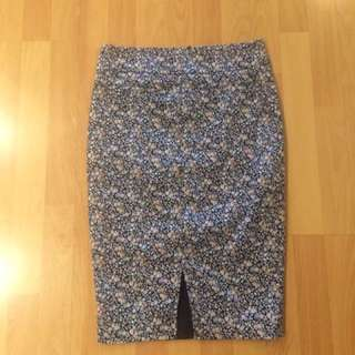 Review Pencil Skirt