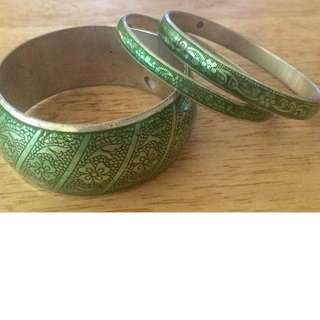 vintare etched enamel bangle bracelets